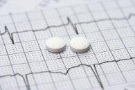 El costo clínico y el costo económico compiten en la desescalada de antiagregantes